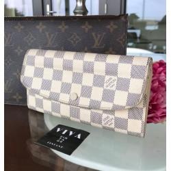 Louis Vuitton Émilie Wallet