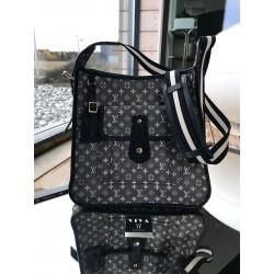 Louis Vuitton Mini Lin...