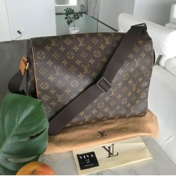Louis Vuitton Abbesses...
